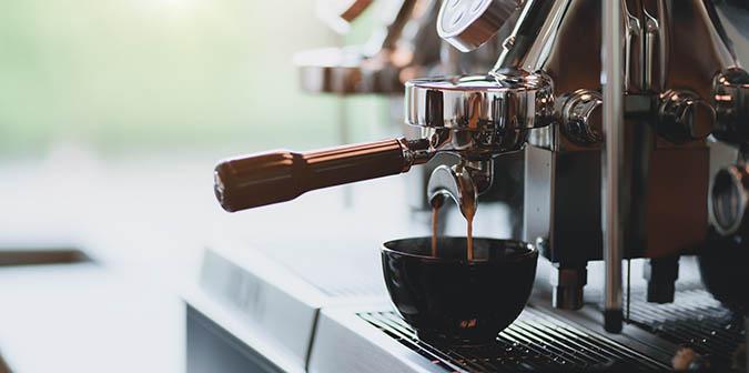 Hacer el café para el Tiramú